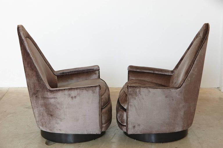 American Pair of Sculptural Memory Swivel Chairs in Grey Velvet by Milo Baughman For Sale