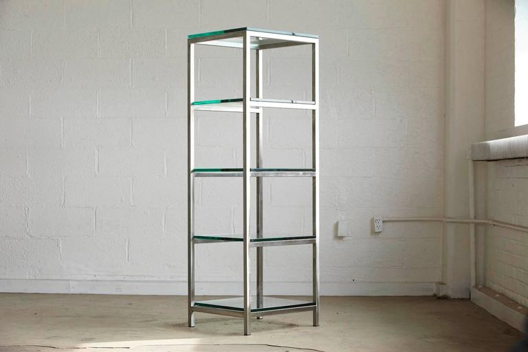Aluminum Modern Brushed Aluminium Étagère or Display Shelf with 5 Thick Glass Shelves For Sale