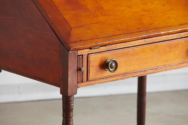 American Antique Pine Drop-Leaf Secretary or Desk For Sale - Antique Pine Drop-Leaf Secretary Or Desk At 1stdibs