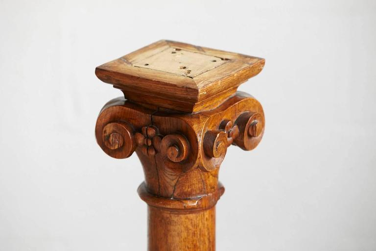 American 19th Century Oak Corinthian Style Column or Pedestal For Sale