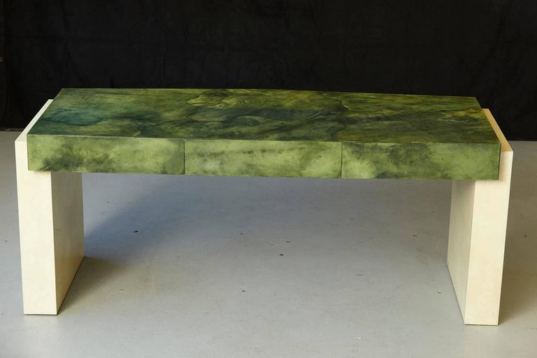Custom Ordered Karl Springer Marbleized Emerald Green Lacquered Goatskin Desk In Good Condition For Sale In Westport, CT