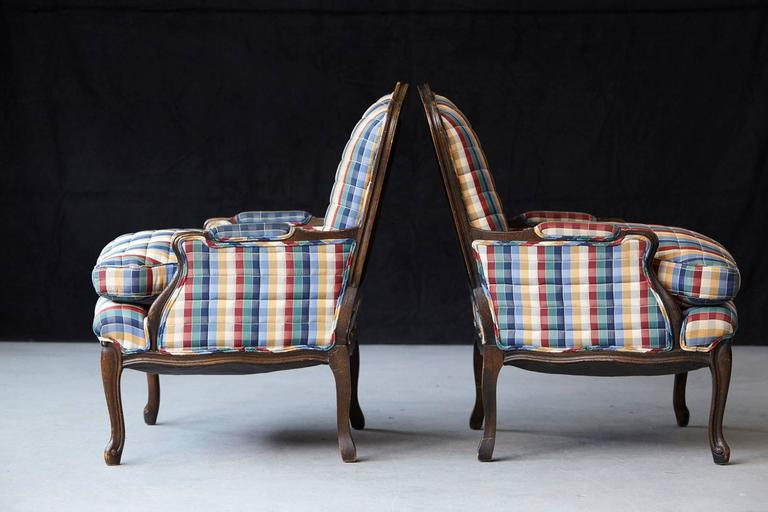Mid-20th Century Pair of French Louis XV Style Bergères Upholstered in Madras Check Chintz Fabric For Sale