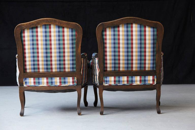 Pair of French Louis XV Style Bergères Upholstered in Madras Check Chintz Fabric For Sale 1