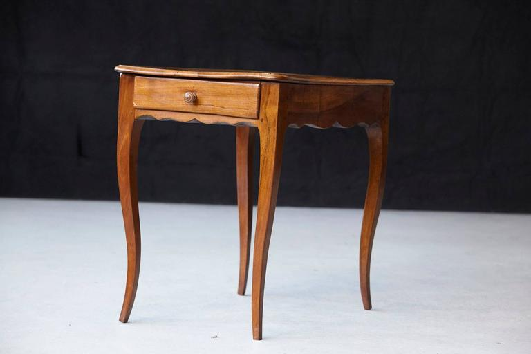 Petite Late 19th Century French Provincial Walnut Occasional Table In Good Condition For Sale In Weston, CT