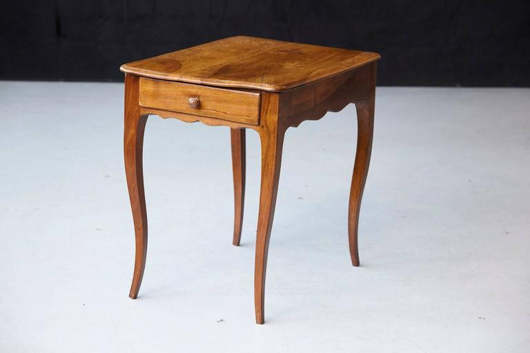 Petite Late 19th Century French Provincial Walnut Occasional Table For Sale 1