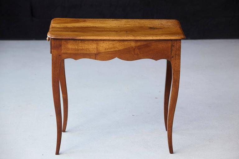Petite Late 19th Century French Provincial Walnut Occasional Table For Sale 2