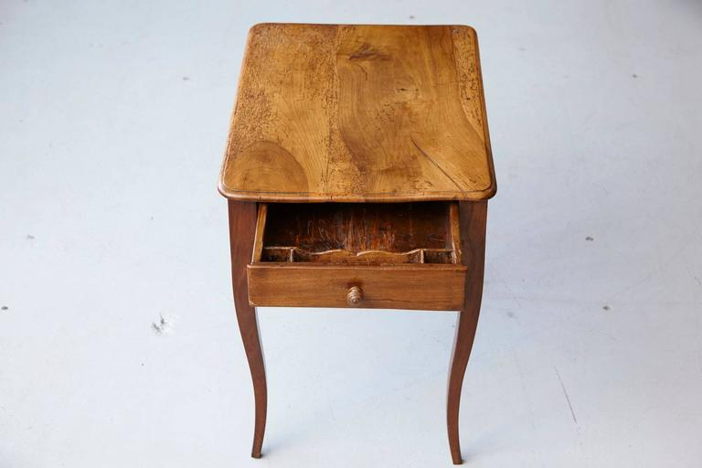 Petite Late 19th Century French Provincial Walnut Occasional Table For Sale 7