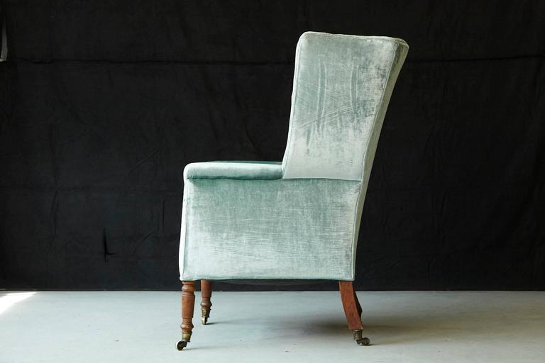 19th Century Hepplewhite Mahogany Wingback Chair in Silver Striae Velvet In Good Condition For Sale In Westport, CT