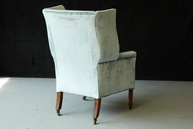 19th Century Hepplewhite Mahogany Wingback Chair in Silver Striae Velvet For Sale 2