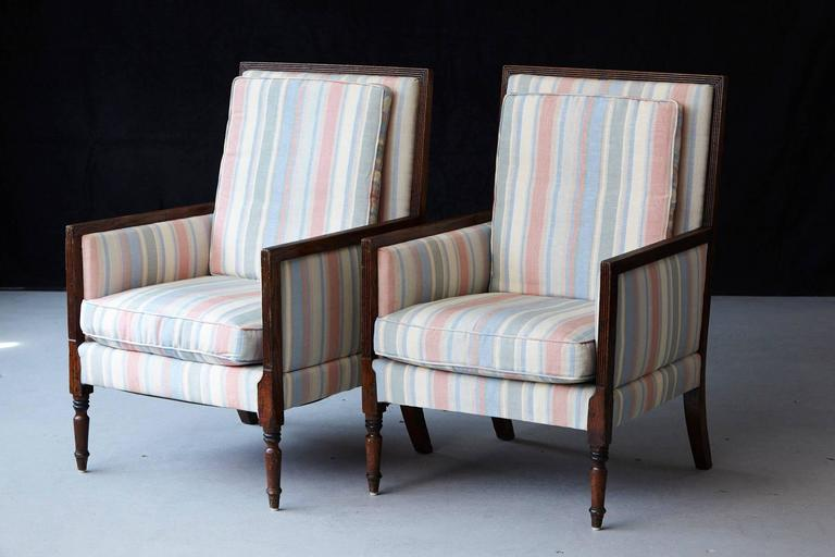 Pair of Italian Neoclassical Style Bergères in Pastel Striped Moiré Taffeta In Good Condition For Sale In Westport, CT