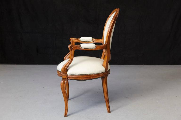 Late 19th Century Louis XV Style Walnut Fauteuil in Nail Trimmed Creme Leather For Sale