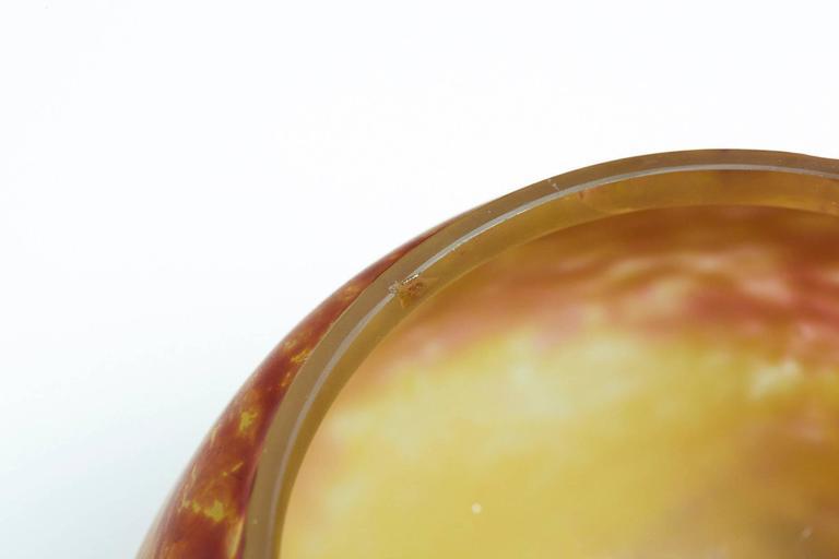 French Art Nouveau Pâte de Verre Bowl with Etched Signature Daum Nancy For Sale 1