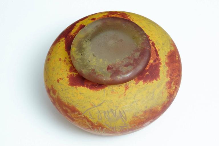 French Art Nouveau Pâte de Verre Bowl with Etched Signature Daum Nancy For Sale 3