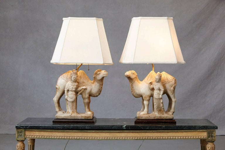 Mid-20th Century Pair of Hand-Carved Figurative Marble Table Lamps For Sale