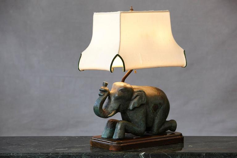 Patinated Metal Recumbent Indian Elephant form Table Lamp For Sale 1