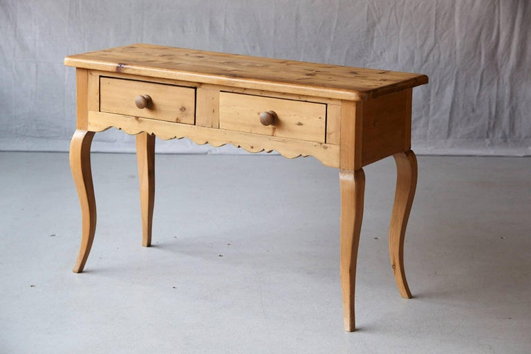 English Country Style Pine Console In Good Condition In Weston, CT