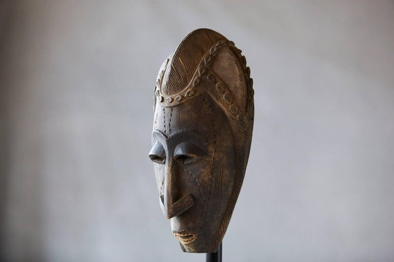 Decorative African Hand-Carved Wood Mask, circa 1960s For Sale 1