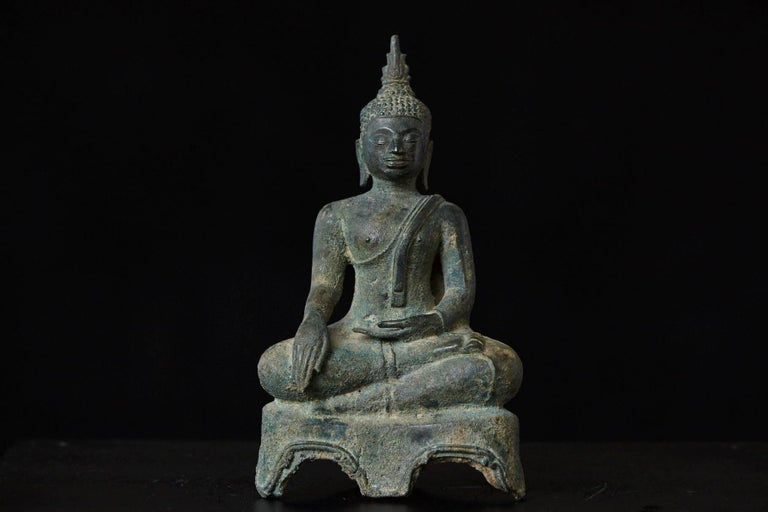 Possibly 15th-16th Century Bronze Thai Buddha Statue In Excellent Condition For Sale In Westport, CT