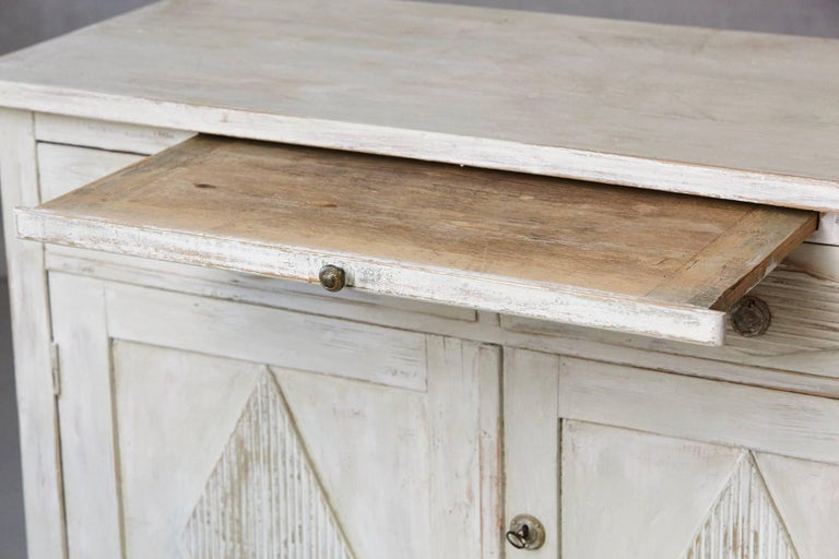19th Century Swedish Gustavian Sideboard with Diamond Shape Reeded Details 5