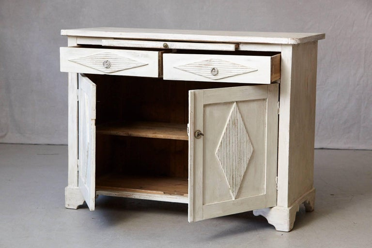 19th Century Swedish Gustavian Sideboard with Diamond Shape Reeded Details For Sale 2