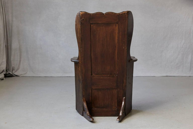 Lambskin Late 18th Century Elm and Pine Rocking Lambing Chair For Sale