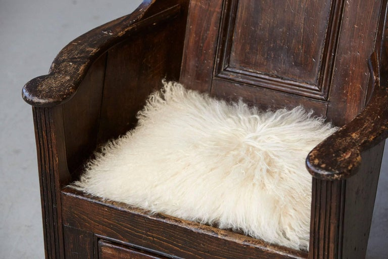 Late 18th Century Elm and Pine Rocking Lambing Chair For Sale 3