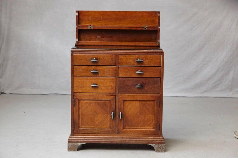 art deco medical cabinet or dental station by w d allison co for sale at 1stdibs. Black Bedroom Furniture Sets. Home Design Ideas
