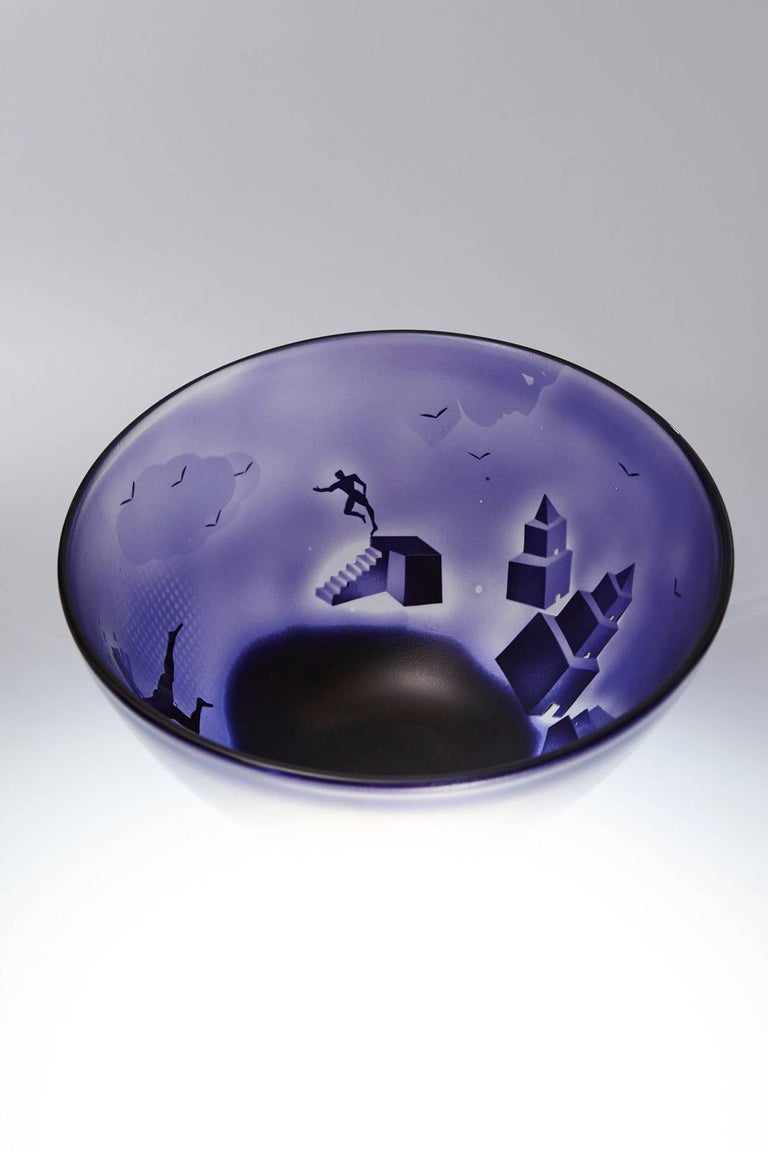 Large Kosta Unik Surrealist Art Glass Bowl by Bertil Vallien, 1970s In Good Condition For Sale In Weston, CT