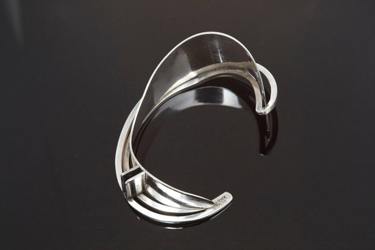 Mid-20th Century Modernist Sterling Silver Cuff Designed by Ed Wiener, 1950s For Sale