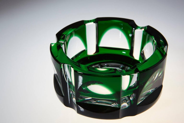 Mid-Century Modern Heavy Hexagonal Emerald Green Crystal Ashtray For Sale
