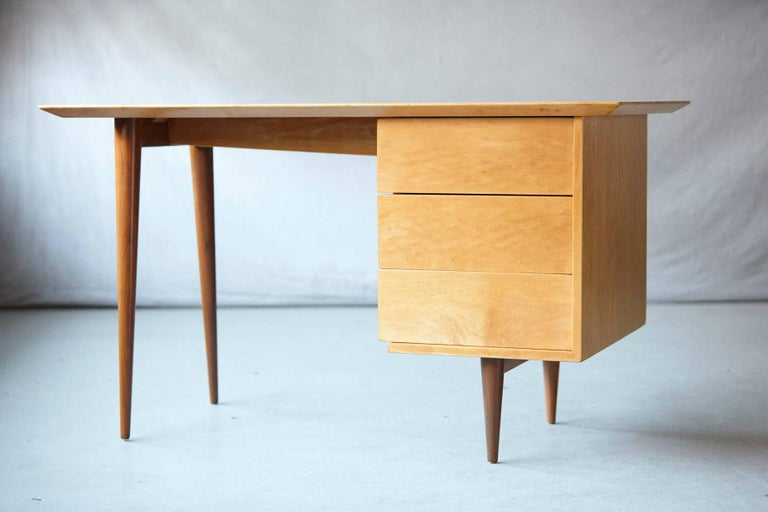 Exceptional and very rare early Florence Knoll maple desk, Model 17. 