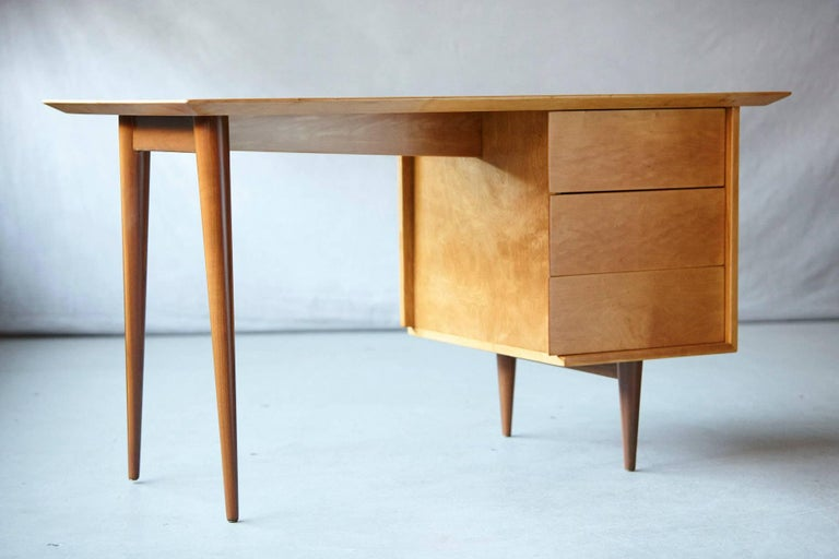 Mid-Century Modern Rare Early Florence Knoll Maple Desk, Model 17 Completely Restored For Sale