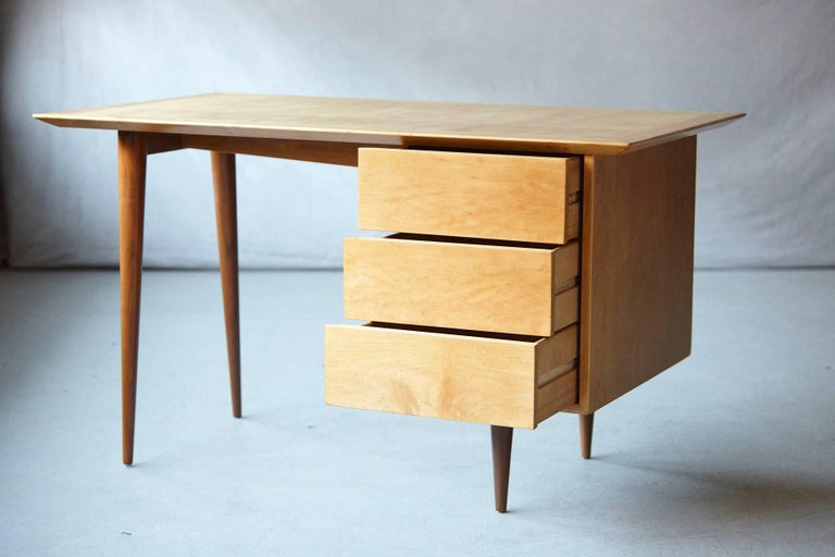 Mid-20th Century Rare Early Florence Knoll Maple Desk, Model 17 Completely Restored For Sale