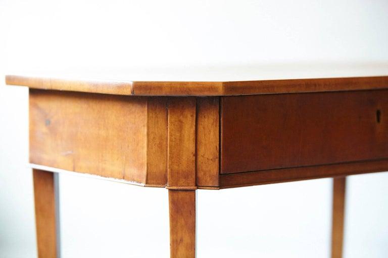 Maple Pair of Biedermeier Side Tables For Sale