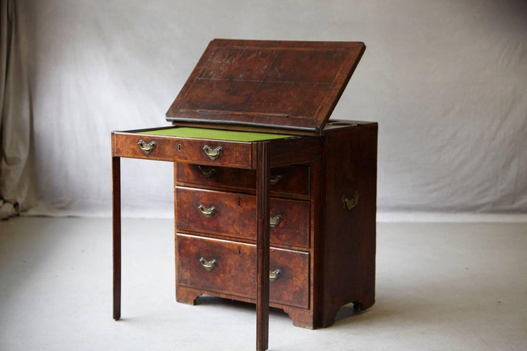 Important Queen Anne Walnut Architect's Chest, circa 1710 In Good Condition For Sale In Weston, CT