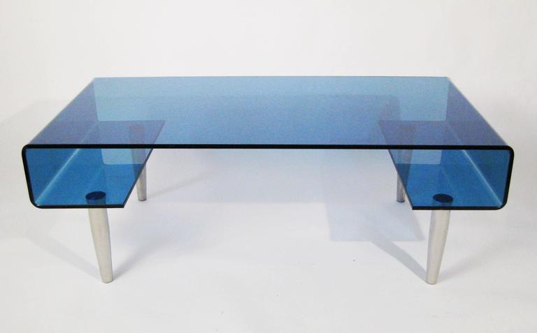 Coffee Table, Tempered Blue Crystal and Aluminium. Italy, circa 1980 2