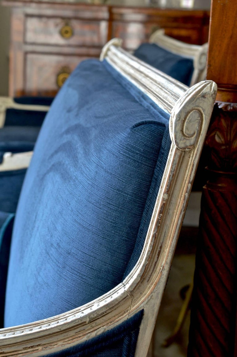 French Settees in Navy Velvet, Pair For Sale 4
