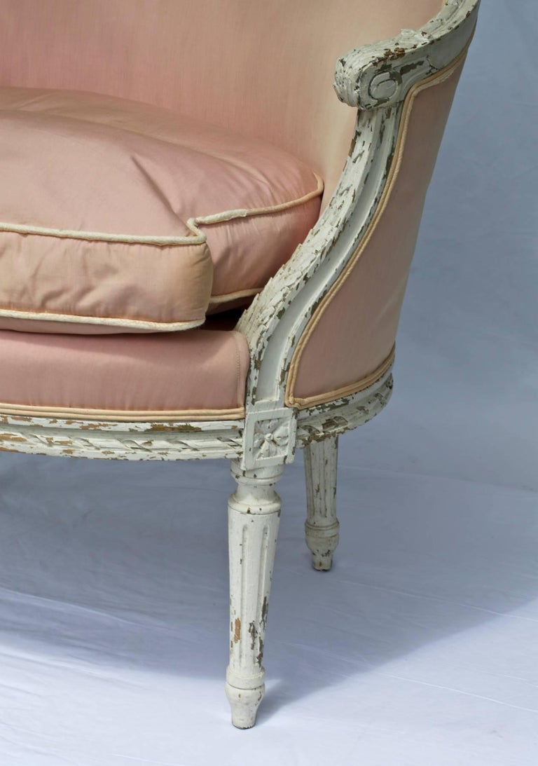 French 19th Century Louis XVI Painted Marquise or Corbeille Canapé For Sale