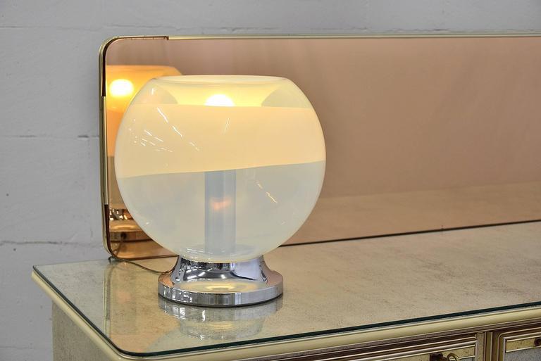 Mazzega 1970s table lamp handblown in Murano, Venezia.  The lamp is in great condition.  Measurements: H. 32 x D. 30 cm