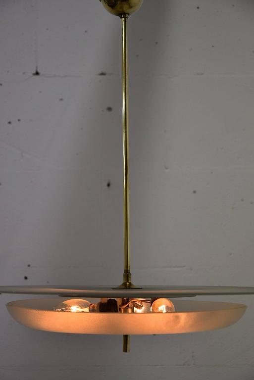 Chandelier Mid Century modern Fontana Arte attributed. Beautiful and sophisticated 1940s ceiling lamp attributed to Pietra Chiesa for Fontana Arte  The lamp holds three lightbulbs and is in fantastic condition.  Measurements: H 62 x D 48 cm.  Lamp