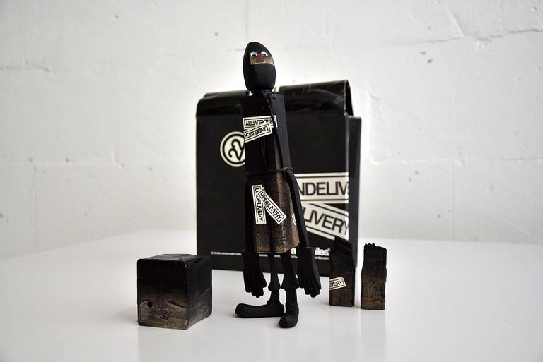 CC 22 Undelivery P.E.T.E.R. by Michael Lau 2003 Designer Art Toy For Sale 1