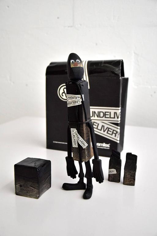 CC 22 Undelivery P.E.T.E.R. by Michael Lau 2003 Designer Art Toy For Sale 4