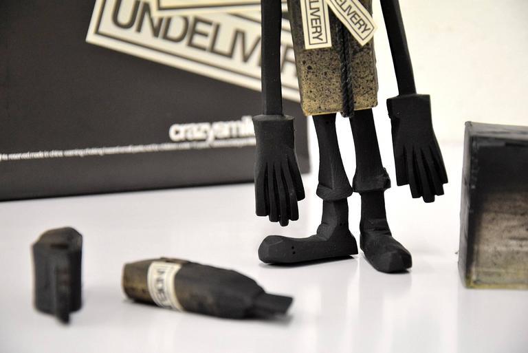 CC 22 Undelivery P.E.T.E.R. by Michael Lau 2003 Designer Art Toy For Sale 2