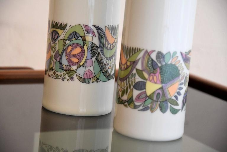 Two porcelain vases designed in the 1960's by Cuno Fischer (1914-1973) for Rosenthal.  Both vases are in excellent condition.  Measurements : 10 x 23 and 11 x 26 cm.
