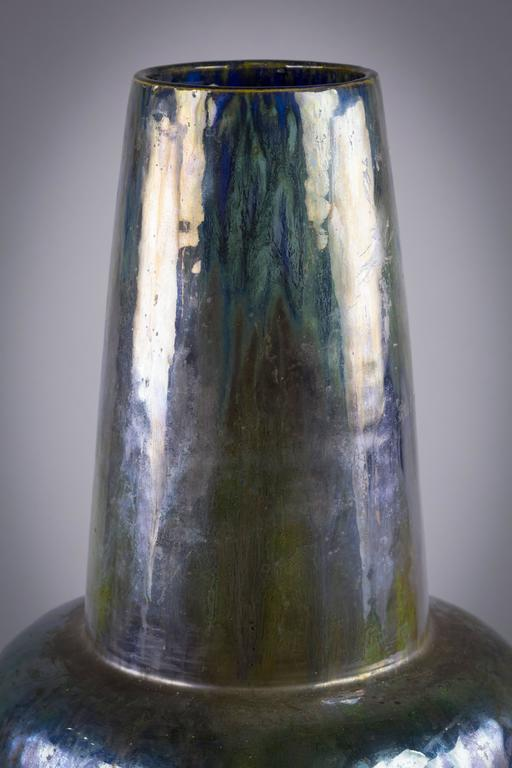 Large Art Nouveau French Pottery Iridescent Flambe Vase, circa 1900 In Excellent Condition For Sale In New York, NY