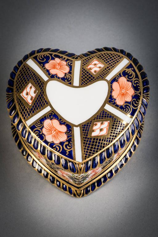 20th Century Royal Crown Derby Heart-Shaped Box, circa 1910 For Sale