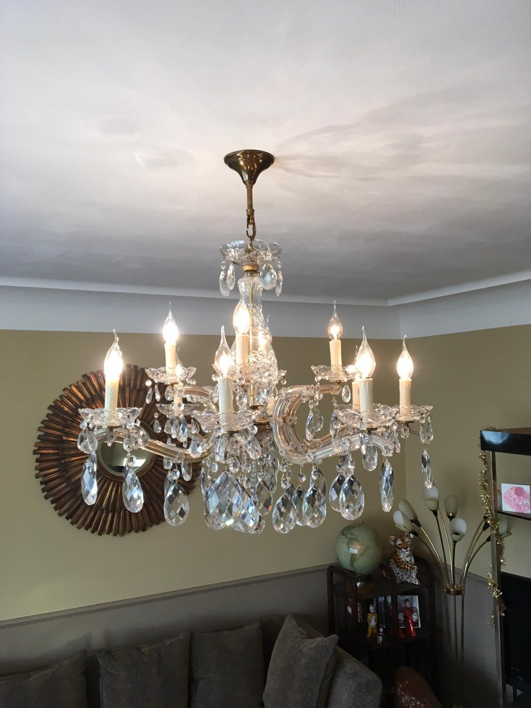 European Maria Theresa Style Vintage 12 Lights Crystal Chandelier For Sale