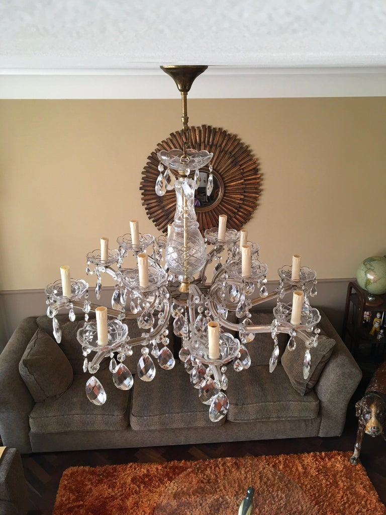 Maria Theresa Style Vintage 12 Lights Crystal Chandelier In Good Condition For Sale In Antwerp, BE