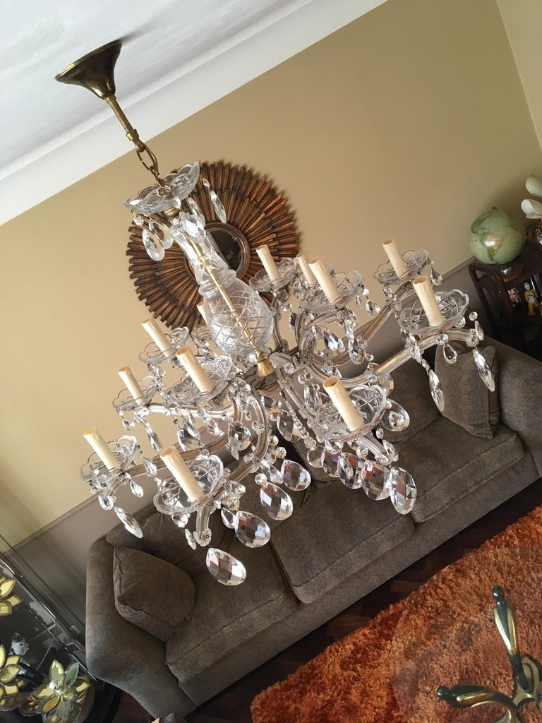 20th Century Maria Theresa Style Vintage 12 Lights Crystal Chandelier For Sale