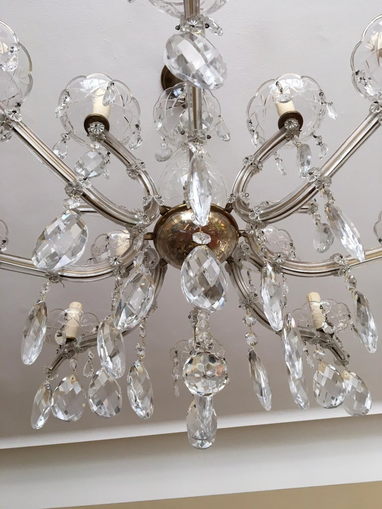 Maria Theresa Style Vintage 12 Lights Crystal Chandelier For Sale 1